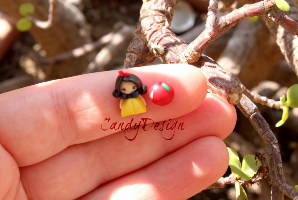 Snow-white stud earrings